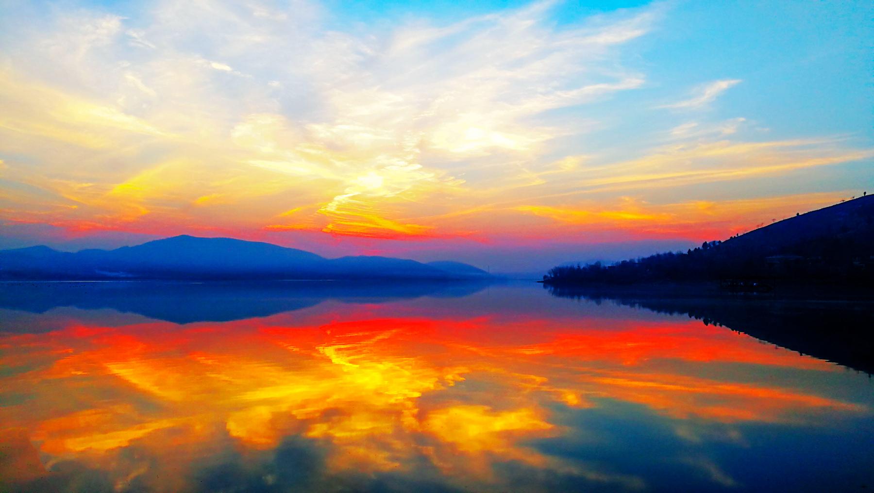 湖光掠影 HUAWEI v9 摄于2018年12月18日山东新泰光明湖