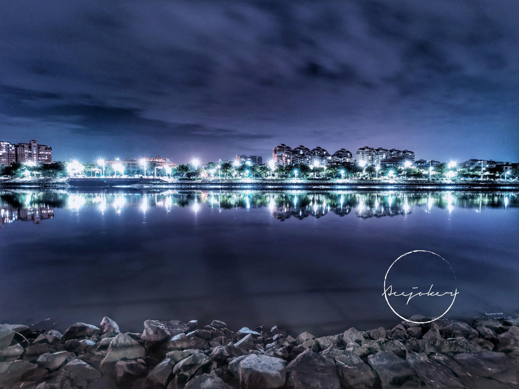 夜阑冰河.jpg