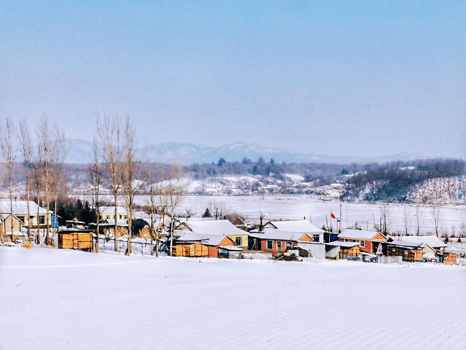长白山,中朝边境  在路上的农民工  mate20pro.jpg