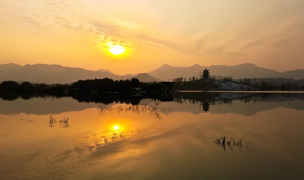 YYC-湖畔晚韵--07.jpg