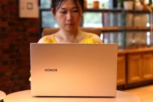 全面屏笔记本来临,跨终端秒传,16.1英寸荣耀MagicBook Pro上手,荣耀MagicBook系列-花粉俱乐部