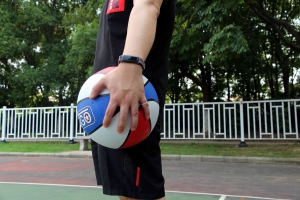"""华为手环4e篮球精灵体验,手腕上的""""私人教练""""!,华为手环4e-花粉俱乐部"""