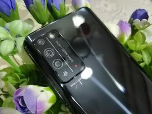 【评测骑士团】警告!荣耀X10风暴来袭,众手机快快退下,荣耀X10-花粉俱乐部