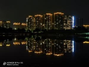 [荣耀30Pro+]建设中的城市之夜,花粉随手拍-花粉俱乐部