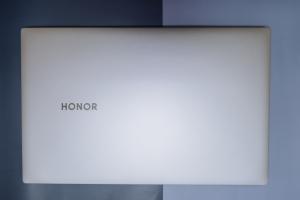 荣耀MagicBook Pro——你的全屏生产力利器,花粉随手拍-花粉俱乐部
