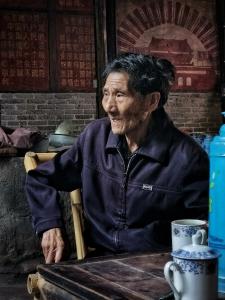 【荣耀V30pro】老茶馆里的老茶客,花粉随手拍-花粉俱乐部