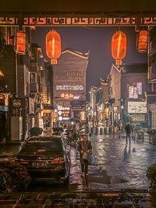 雨夜映射东西巷,花粉随手拍-花粉俱乐部