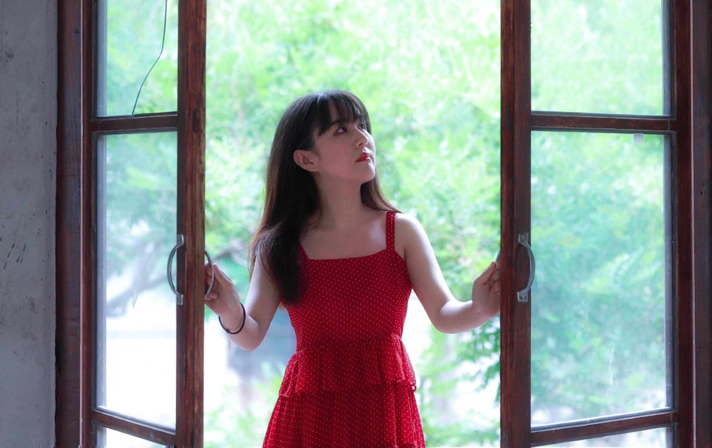【花粉女生】窗外,花粉女生-花粉俱乐部