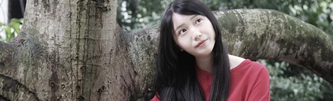 摄影 | 走在林间的美少女,一袭复古红裙似静谧的小精灵!,花粉随手拍-花粉俱乐部